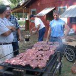 【画像】アメリカ風のステーキ肉って憧れるよなwwwww